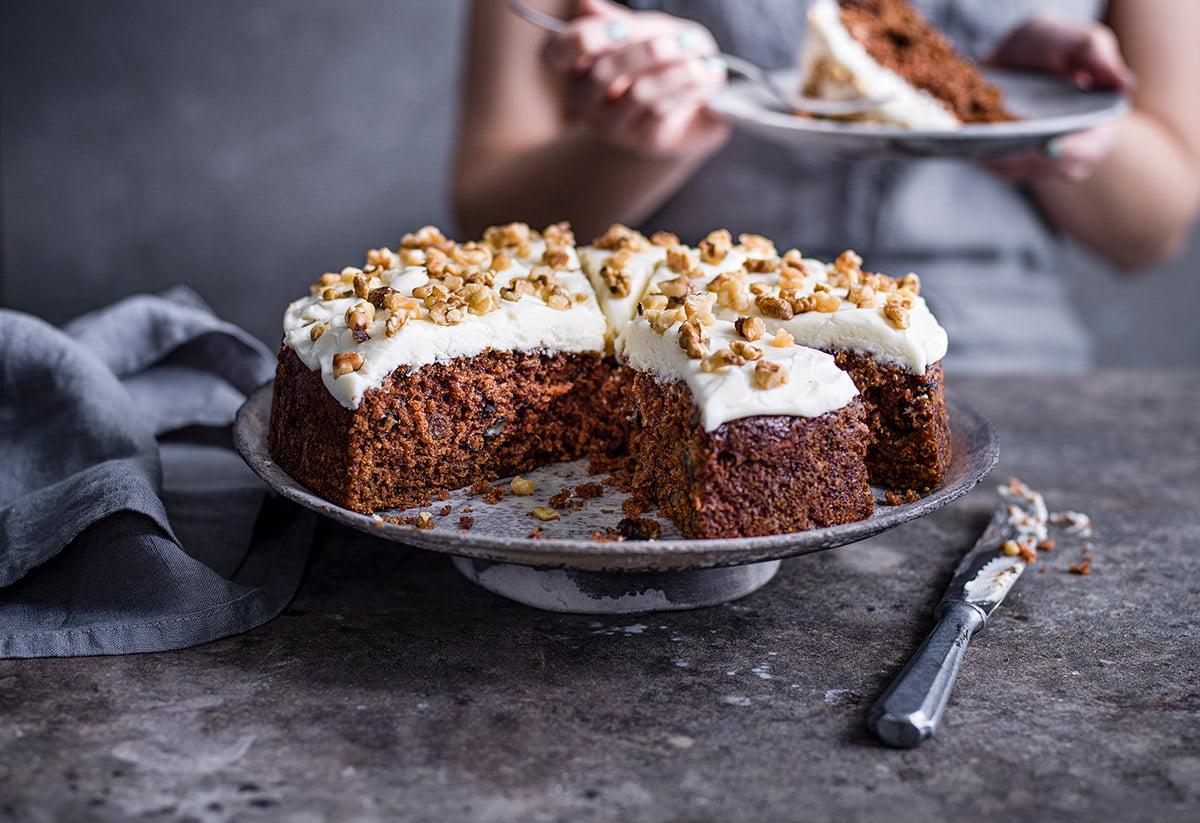 Cakehead Carrot cake round cake